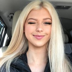 Loren was 15 years old. Blonde Wig, Blonde Ombre, Ash Blonde, Platinum Blonde, Loren Gray Snapchat, Hair Color 2018, Blonde Women, Synthetic Lace Front Wigs, Trendy Hairstyles