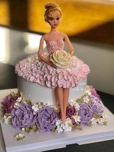 suno abi free ho na ki carrom bhar jana hai bhai bhabhi ko importants dena hai kuch kam tho bol do Doll Cake Designs, Cake Decorating Designs, Creative Cake Decorating, Cake Decorating Videos, Barbie Doll Birthday Cake, Birthday Cake Girls, Bolo Barbie, Barbie Cake, Elegant Birthday Cakes