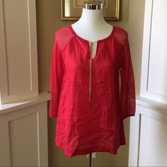 August Silk Top Beautiful summer top in excellent like new condition. No pet/non-smoking home. Tops