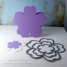 Sizzix: Framelits Flower Card
