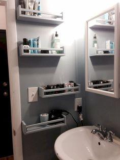 Cool 15 Smart DIY Storage Solution Ideas for Tiny Bathroom http://godiygo.com/2017/11/07/15-smart-diy-storage-solution-ideas-tiny-bathroom/