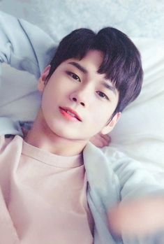 Doctor is my life (ong seong woo wanna one) Ong Seongwoo, Jinyoung, K Pop, Love At First Sight, First Love, Cho Chang, Guan Lin, Lai Guanlin, Lee Daehwi