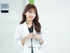 Doctors Korean Drama, Korean Drama Tv, Drama Korea, Korean Actors, Park Shin Hye Drama, Lee Sung Kyung Fashion, Kim Rae Won, Jay Park, You're Beautiful