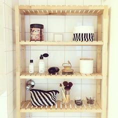 My bathroom: Ikea Molger shelf