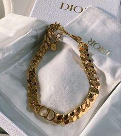 February 09 2020 at fashion-inspo Dainty Jewelry, Cute Jewelry, Luxury Jewelry, Gold Jewelry, Jewelry Accessories, Fashion Accessories, Dior Jewelry, Choker Jewelry, Fashion Jewelry
