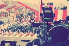 Enseñar con el ejemplo. Esa fue la intención de The Guardian al elaborar un video sobre las coberturas audiovisuales que realiza. En este material se muestran qué imágenes deben publicarse para construir una historia y los ángulos en los que se debe ubicar un camarógrafo al momento de hacer las grabaciones.