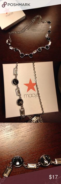 NWOT Macy's silver necklace NWOT Macy's silver chain necklace. Never worn. Comes with box. Macy's Jewelry Necklaces