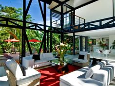Sumptous vacation retreat in a tropical rainforest