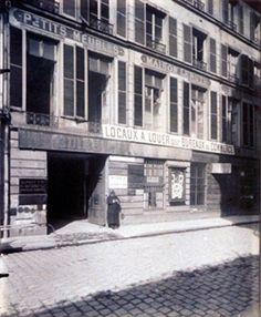Hôtel 32 Rue de Bondy.  (10e) par Eugène Atget 1909