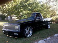 Like the old body style. Mini Trucks, Gm Trucks, Cool Trucks, Chevy Trucks, Pickup Trucks, Chevy S10, Chevy Pickups, S10 Truck, S10 Pickup