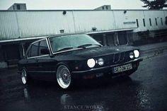 BMW E28 5 series black rain Stanceworks