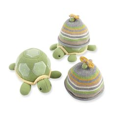 Amazon.com : Baby Aspen Turtle Toppers Baby Hat and Turtle Plush Gift Set, Yellow : Baby Bathing Gift Sets : Baby