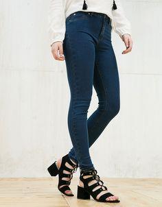 Bershka Portugal - Calças de ganga super skinny elástico regular waist