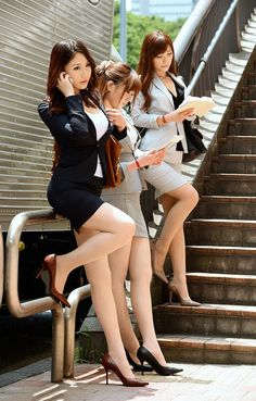 Watch Japanese Working Legs Porn in HD fotos. Blackpink Fashion, Asian Fashion, Asian Woman, Asian Girl, Japanese Legs, University Girl, Short Skirts, Pleated Skirts, Pencil Skirts
