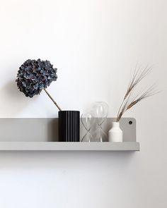 Saturday shelfie hope you are all enjoying your weekend Scandinavian Shelves, Beige Kitchen, Enjoy Your Weekend, Interior Decorating, Interior Design, Grey And Beige, Shelfie, Life Inspiration, Vintage Items