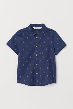 Browse our range of organic baby clothes from the Conscious Collection online. Made in organic cotton and with the highest quality. Sailor Fashion, Organic Baby Clothes, Fashion Company, Chambray, Printed Shirts, Hooded Sweatshirts, Kids Outfits, Toddler Outfits, Mens Tops