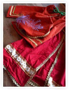 Sinterklaas - Zelfmaak Pietenmuts, Pietenbroek en mantel van Sinterklaas - Kiind