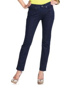 Best Jeans for Petite Women: Levi's Petite Jeans Straight-Leg