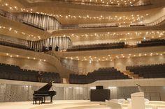 Die Elbphilharmonie... in Hamburg (Innen..)