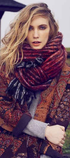 Latest Fashion Trend - 4 Tips for Wearing Gray for Fall & Winter Without Looking Dull - Colors That Look Good With Gray ♡ Fall Bucket List Boho Fashion, Womens Fashion, Fashion Boots, Fashion For Women Over 40, Autumn Winter Fashion, Fall Winter, Fall Fashion, Fashion 2017, Sensual