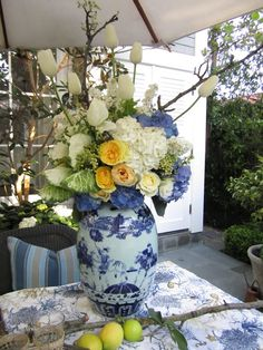 Flowers in blue and white