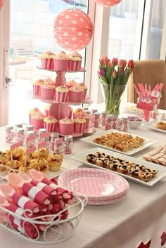 I would love to make cupcakes for the party.