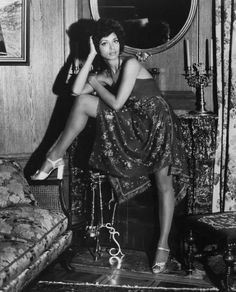 young gifted and black : a frequently updated picture collection Vintage Black Glamour, Vintage Beauty, Black Actresses, Actors & Actresses, Classic Beauty, Black Beauty, Classic Tv, Timeless Beauty, Picture Collection