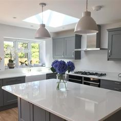 Characteristics Of The Ultimate Cosy Kitchen Our Guide To Pendant Lighting 97 - inspiredeccor Kitchen Diner Extension, Open Plan Kitchen Diner, Open Plan Kitchen Living Room, Kitchen Dining Living, Kitchen Family Rooms, Cosy Kitchen, Rustic Kitchen Cabinets, Home Decor Kitchen, Kitchen Interior