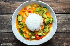 Curry mit Reis und Gemüse - Madame Cuisine Thai Curry, Tzatziki, One Pot Meals, Dory, Veggies, Food And Drink, Low Carb, Rice, Kitchen Decor