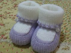 Botinha lilás com branco, estilo sapato boneca. Tam: U  Pronta Entrega R$ 10,90