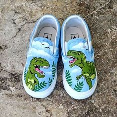 Custom hand painted vans with t-rex dinosaur theme. Cost of shoes included in the price. Painted Canvas Shoes, Hand Painted Shoes, Owl Shoes, Vans Shoes, Dinosaur Shoes, Creative Shoes, Decorated Shoes, Custom Shoes, Vans Custom