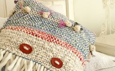 :: Bienvenidos :: Telaresisa.cl :: Loom Weaving, Hand Weaving, Moroccan Wedding Blanket, Peg Loom, Textiles, Weaving Projects, Accent Pillows, Decoration, Decorative Pillows