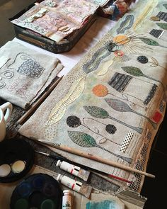 Studio morning here in Brittany Thread Painting, Fabric Painting, Fabric Art, Fabric Crafts, Creative Embroidery, Embroidery Art, Embroidery Stitches, Machine Embroidery, Creative Textiles