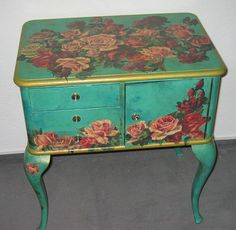 This decoupage technique is fast and easy and makes a great first time decoupage project. But it's also a great technique for the more experienced decoupage Decopage Furniture, Hand Painted Furniture, Funky Furniture, Repurposed Furniture, Furniture Projects, Furniture Making, Furniture Makeover, Furniture Design, Reuse Furniture