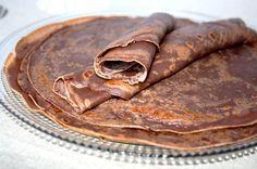 C'est bientôt la chandeleur c'est pourquoi je voulais partager avec vous ma recette de pâte à crêpes chocolatée ! Car j'adore le chocolat ^_^ Ingrédients : (pour une douzaine de crêpes) 250g de farine 5 cuil. à soupe de cacao en poudre non sucré 50cl...