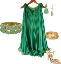 Sleeveless Pleated Deep V-neck Expansion Chiffon Dress Green, Free Size Pretty Outfits, Cute Outfits, Pretty Clothes, Pretty Dresses, Cocktail Dresses With Sleeves, Girl Fashion, Fashion Looks, Summer Wedding Guests, Mini Club Dresses