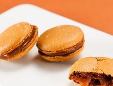 Salam de biscuiţi - Retete culinare - Romanesti si din Bucataria internationala Cookies, Desserts, Food, Crack Crackers, Postres, Biscuits, Deserts, Hoods, Meals