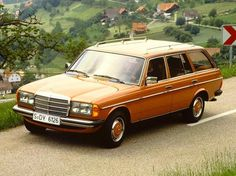 Custom 1980 Orange Mercedes-Benz W123