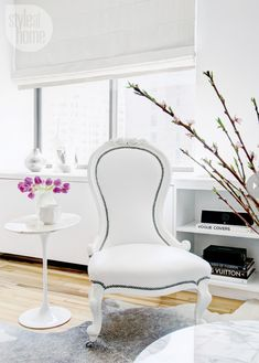 White french vintage sitting chair