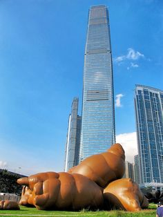 'Complex pile' inflatable giant turds by Paul McCarthy dropped just below the Ritz Carlton in Hong Kong  Inflation Exhibition: West Kowloon Cultural District M+, Hong Kong