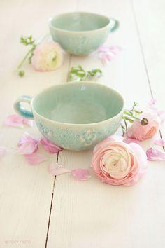 #pastels   ♥ #beachcottage   #pink #floral  #flowers #sweet #colour #photography #stilllife #stills #beautiful #decor #spring #soft #Fruehling #printemps #earrach #vor #Primavera