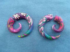 Falso Alargador Espiral Colorido R$ 30,00 o par R$ 18,00 somente um R$ 30,00  www.elo7.com.br/dixiearte