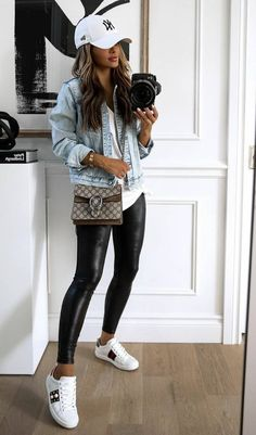 Legging Outfits, Leather Leggings Outfit, Spanx Faux Leather Leggings, Spring Leggings Outfits, Outfits With Leather Leggings, Outfit Ideas With Leggings, Casual Leggings Outfit, Jean Jacket Outfits, Black Leather Pants