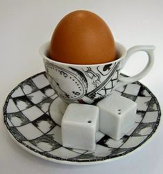 Bia Éléphant Salt /& Pepper Shaker pots porcelaine Blanc Coffret Cadeau Nouveauté salle à manger