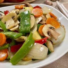 Caprese Salad, Healthy Recipes, Healthy Food, Meat, Chicken, Cooking, Juice Menu, Videos, Youtube