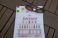 pochette de lecture brodé au point de croix multicolore : Etuis, mini sacs par vero-t