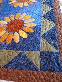 Sunflfower quilt by fourseasonsquiltswap, via Flickr