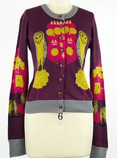 I have the weirdest affection for vintage-inspired clothing with animal motifs. I have no idea where that comes from.