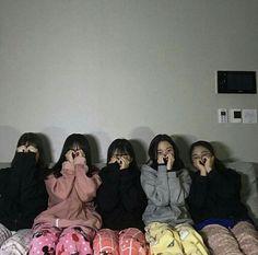 Korean Best Friends, Boy And Girl Best Friends, Cute Friends, Mode Ulzzang, Ulzzang Korean Girl, Korean Girl Photo, Cute Korean Girl, Ullzang Boys, Best Friends Aesthetic