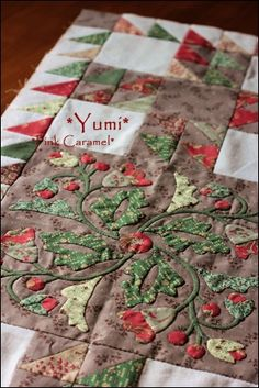 Had to pin this because the applique is absolutely gorgeous! from Patchwork *Pink Caramel*